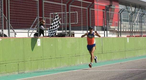 Il Maratoneta Calendario.La Mezza D Italia Imola 21k 10k 5k Autodromo Di Imola